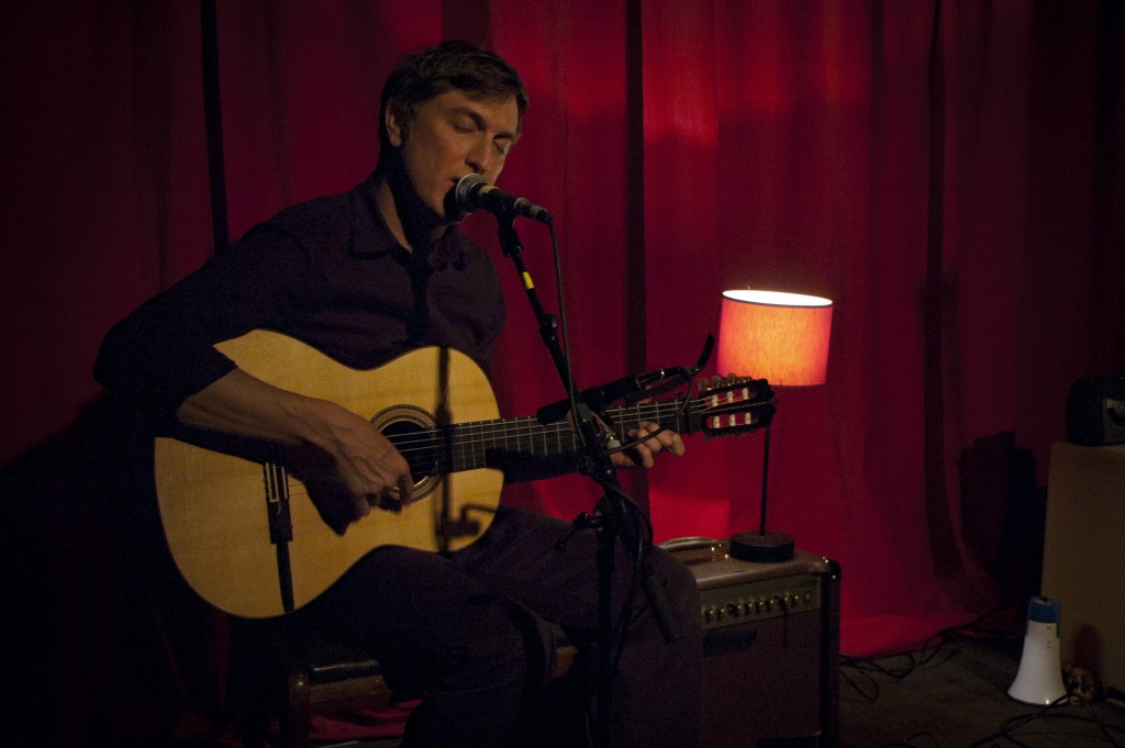 Troy Von Balthazar lors de son concert au Fiacre de Liège
