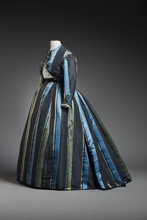 Robe à transformation à deux-pièces et boléro (1865)