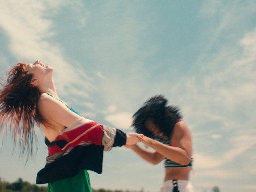 Image tirée du film Firecrackers de Jasmin Mozaffari